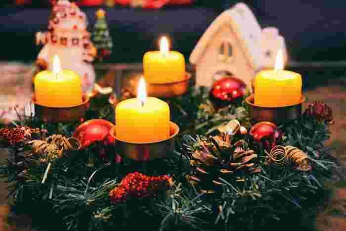 お部屋もクリスマスのインテリアに着替えて、クリスマスを迎える準備を始めましょう。
