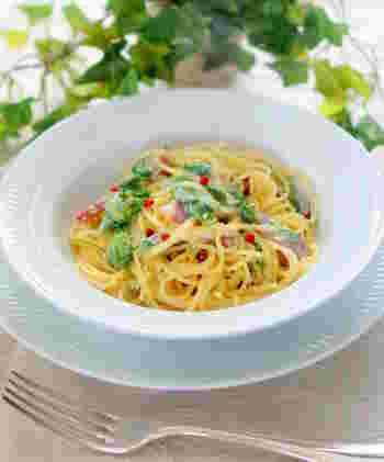 ふきのとうは和食だけでなく、イタリアンにもぴったりの食材。ぜひ美味しいパスタ料理にもチャレンジしてみましょう。ふきのとうの美味しさはもちろん、リコッタチーズや白みそのコクと香りも楽しめます♪