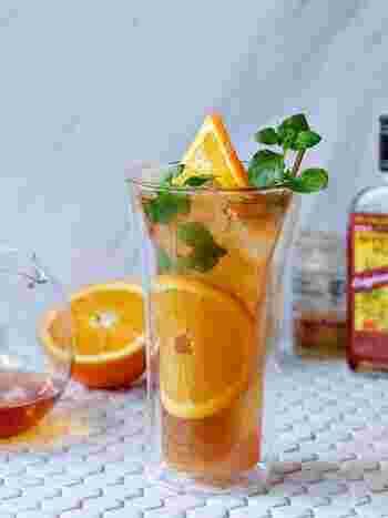 ラムをベースにオレンジティーを加えたカクテル。柑橘のさっぱりとした清涼感と紅茶のスッキリ感が美味しい!ミントを加えると見た目にも爽やかです。