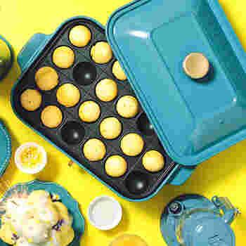オプションプレートがあれば、料理の幅もぐっと広がります。おすすめはこちらの、たこ焼きプレート。たこ焼きだけでなく、アヒージョやプチハンバーガーなどのおしゃれなパーティー料理や、お子様のおやつにぴったりなベビーカステラなど、さまざまなアレンジレシピが楽しめます♪