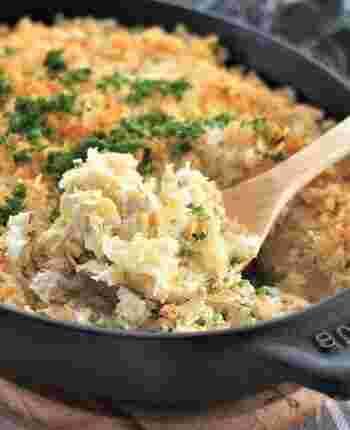 スコップメンチカツは、揚げ物作りが苦手な人の強い味方!成形したり揚げたりする手間を省けるので、初心者でも簡単に美味しく作れます。 揚げない&鶏胸肉を使うことで、ヘルシーな揚げ物風料理のできあがり♪揚げ物なのに、キャベツ・たまねぎなどの野菜をたくさん摂取できるのも嬉しいポイントです。