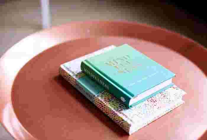 長い間お風呂に浸かっているのが苦手…という人には、お風呂での読書がおすすめ。浴室のような静かな空間では、集中力が上昇。ゆっくりと本の世界に浸ってみませんか?