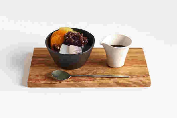 アイスやシャーベット、あんみつなどのデザートを蕎麦猪口に入れても可愛いですね。小腹を満たすには、蕎麦猪口はちょうどいいサイズです。