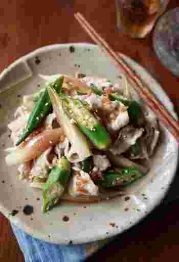 オクラとみょうがをたっぷりと使った「豚しゃぶサラダ」。野菜は大きめに切ってサッと茹でているので、食感や食べ応えも◎夏バテ気味の身体でもモリモリ食べれちゃいますよ。