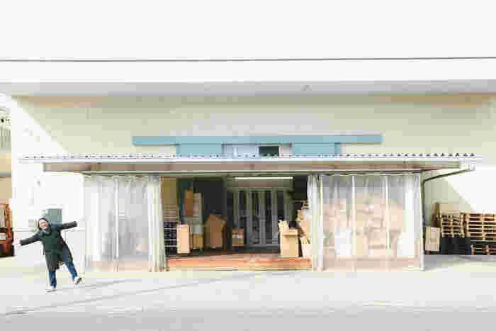 名古屋市内にある4代目倉庫。現在は岐阜の5代目倉庫にメイン業務は移っているけれど、4代目倉庫も個別撮影スタジオへ変化して活躍中