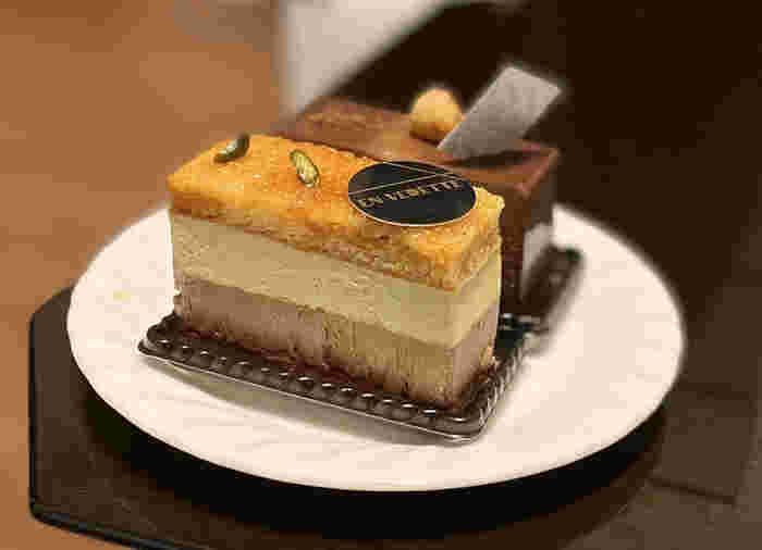清澄白河でおしゃれなケーキを買えるのが、「アンヴデット (EN VEDETTE)」。他ではなかなか見られないようなオリジナリティあふれるケーキも多く、スイーツファンならぜひ一度は立ち寄ってみたいお店です。