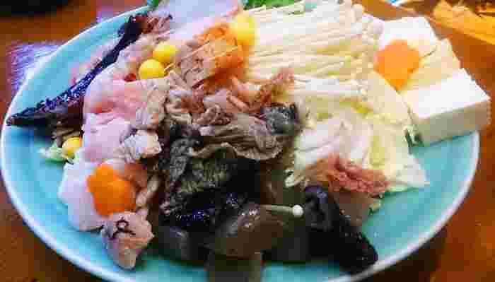 「東のあんこう、西のふぐ」といわれるように、そのおいしさで定評のあるあんこうは、茨城県の代表的な冬の味覚。さっぱりとしてヘルシーな魚で、とくに肝が大きくなる12~2月が旬だそうです。あんこう鍋は、県内各地で楽しめます。