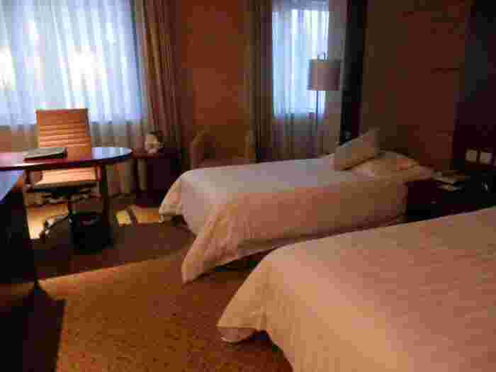 まず気になるのが宿泊費ですよね。筆者が泊まったホテルだと、3泊で1万円以内!しかも内装はかなりおしゃれで、清潔感溢れるお部屋。バスタブもトイレも洗面台もついていて、冷蔵庫なども使えるかなり良心的なホテルでした。中央大街などからはやや離れていたので、市街地に行くともう少し値段が上がるかもしれませんが、タクシーで10元(約150円)でいくことができたので、それを考慮してもお安く泊まることができました。素敵でお値ごろなホテルが多いようなので、ぜひじっくり選んでみてください♪