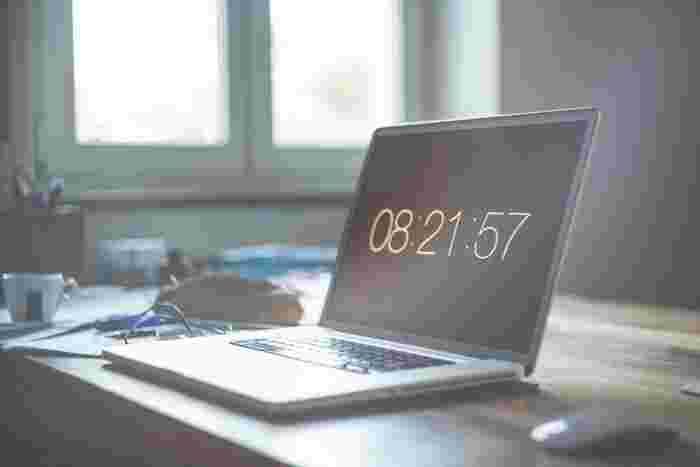 作業ひとつひとつに制限時間を設けるという『タイムボックス』の考え方。毎日の生活に取り入れていくことで、効率よくメリハリのある時間を過ごすことができますよ。もっと時間を賢く使っていきませんか?