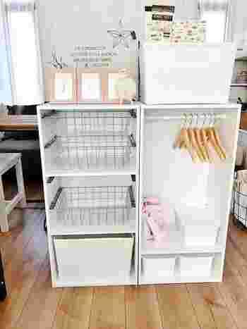 子供用をぎゅっとまとめた収納スペースを作るのもおすすめ。こんな風にカラーボックスを利用して物の置き場所を決めてあげれば、使い終わった後は戻す習慣が子供にも生まれます。朝の忙しい時に、あれがない…これがない…がなくなりそうですよね。