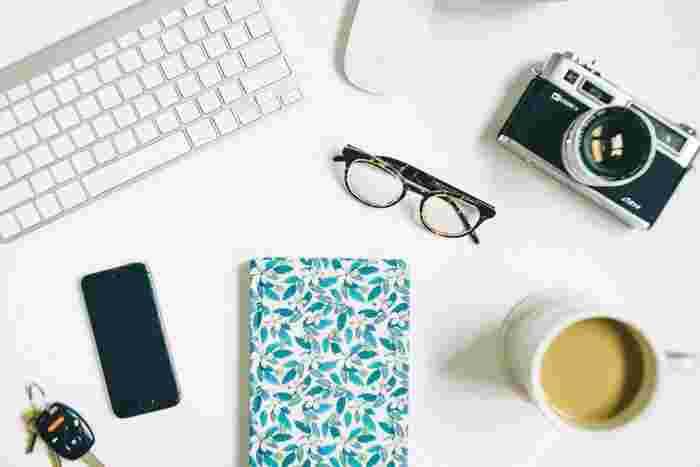 買いたいものリストに挙げていたミラーレスカメラや新型iphone、ハイブランドのスニ―カーやコスメを買う?