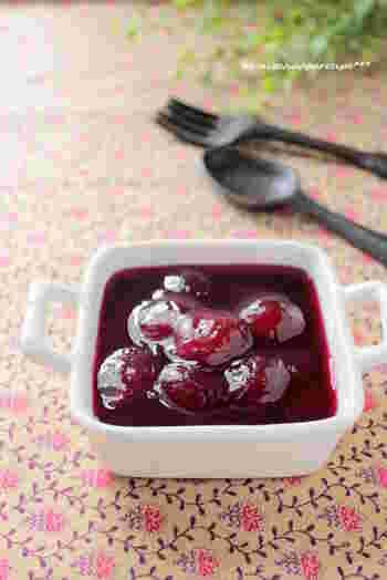 鮮やかな色と甘酸っぱさが魅力のブドウは、ジャム作りに適した果物です。朝食にヨーグルトを頂く習慣があるのなら、たっぷりと仕込んでおきましょう。