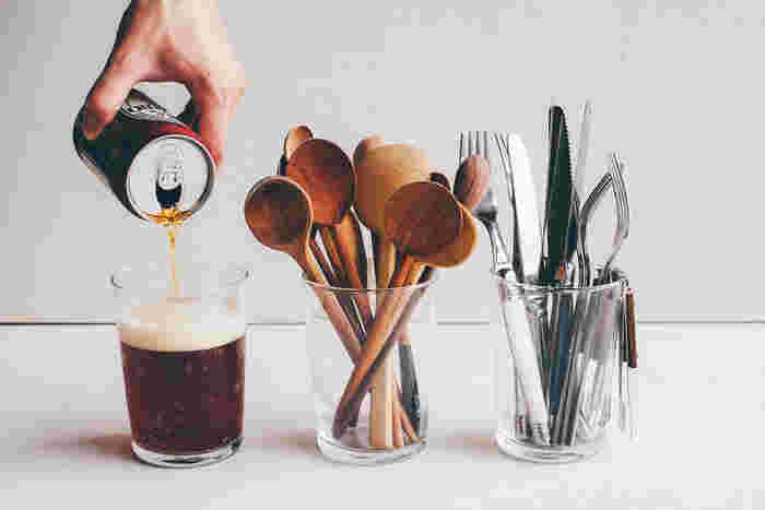 グラスとして、器として、花器にも、調理用具をしまっても絵になる、使用用途100万点のグラスです。