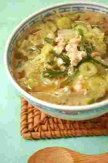 白菜&豚ニラで、元気が出るスタミナレシピ。味付けはめんつゆでラクラクです。