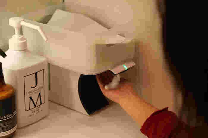 使用頻度の高い手拭きペーパータオルは、ティッシュボックスもいいですが、ぴったりサイズのボックスで管理すれば、取りやすく、かつ補充も簡単です。