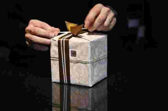 Photo on [VisualHunt](https://visualhunt.com/re4/f357dcf2)  お友達へ、家族へ、自分へ、そして意中の人へ…なにかと心が躍るクリスマスプレゼント選び。今年は、気持ちを込めてご自分でオリジナルラッピングはいかがですか?オリジナルのラッピングは、シンプルな中に優しい気持ちや温もりを表すことができますよ。そこで今回は、簡単にできるラッピングアイデアと、早速真似したいラッピング集をご紹介したいと思います。