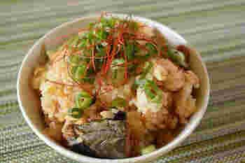 濃厚な味わいの味噌とキムチは相性抜群!コクと旨みたっぷりのサバの味噌煮缶を使えば、それだけで何杯でもお代わりしたくなる炊き込みご飯のできあがりです。