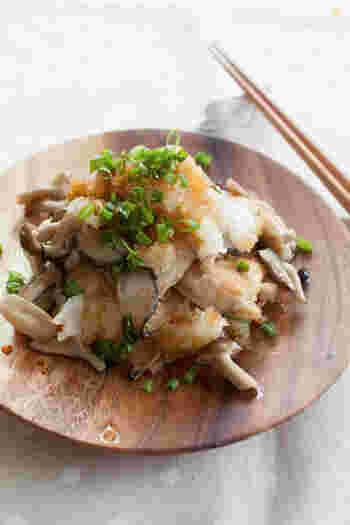 うっすら残暑が残る初秋におすすめのおかず。しめじと鶏肉をおろしポン酢でさっぱりと頂きましょう。