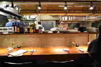 建物の1階が醸造所になっており、2階は自家製ワインとワインに合うお料理がいただけるレストランになっています。