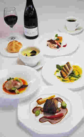 オーシャンビューを眺めながら瀬戸内の海の幸がいただける、イタリアンを中心としたレストランです。
