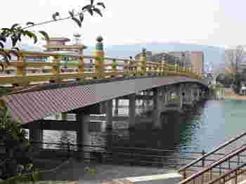 日本三名橋といわれ、近江八景にも数えられている「瀬田の唐橋」も石山寺参拝時には訪れたいスポットです。