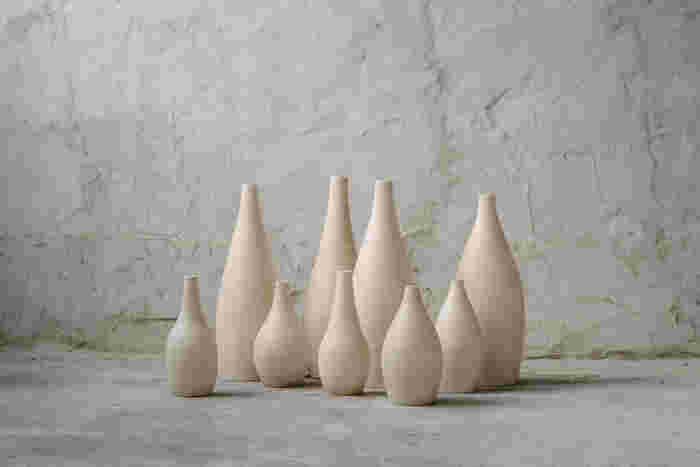 """岐阜県・多治見を拠点に活動している陶磁器ブランド「3RD CERAMICS(サードセラミックス)」。 """"第3の陶芸""""という、個人作家でも、大きなメーカーでもない、新しいものづくりをされています。"""