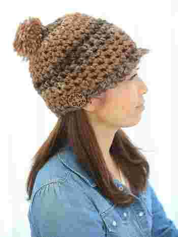編み目がゆるく、程よく透けてざっくりした表情が魅力です。