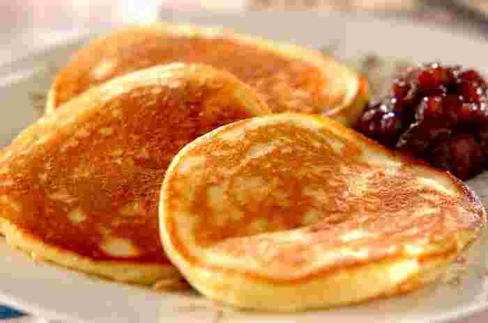 お餅とヨーグルトの効果で、もっちもちのパンケーキが出来上がり。お正月のお餅が余ってしまったら作りたいレシピ。