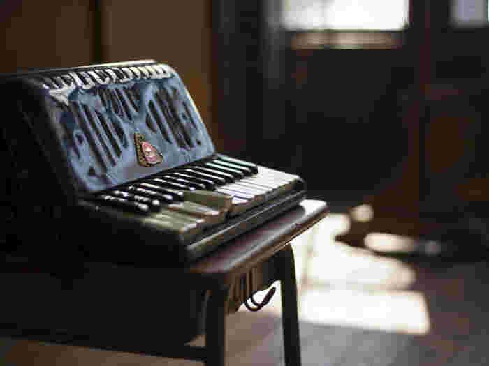また講師の檜山先生、千葉先生は最初は「ピアノ鍵盤タイプ」から入り、後から「ボタン式アコーディオン」へ転向されたそうですので、どちらのタイプを習いたい方でも安心して受講することができます。