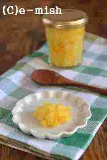 塩レモンの和風バージョン、ですね。上品な風味が繊細な和風料理にもよく合います。塩レモンよりの塩が控えめで、どんな料理に添えてもいい仕事をしてくれます。