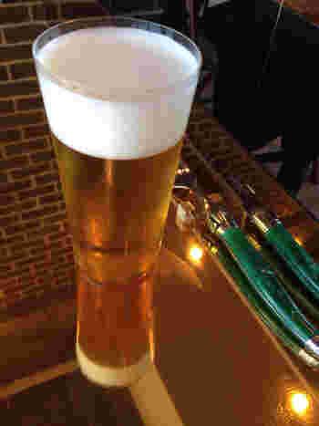 ドリンクメニューはタンドリーチキンに合うビールやワインの他、烏龍茶などもあります。ビールとタンドリーチキンでゆったりとランチをとる。そんな贅沢な休日の過ごし方が似合いそうなカフェレストランです。