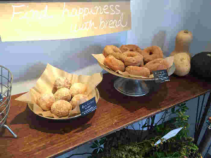 おやつやお土産に甘いパンもいかがですか?葉山マリーナや森戸神社をお詣りしたあとに立ち寄ってみてくださいね。