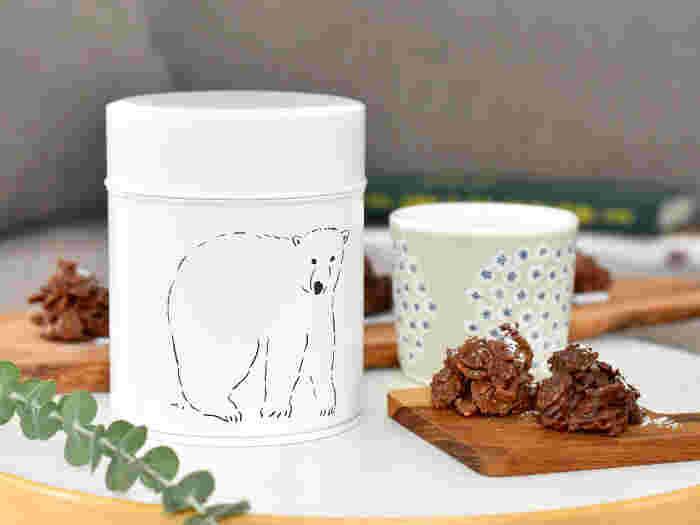 ふっと肩の力が抜けるような、癒やされるイラストが魅力の松尾ミユキさんが手がけた商品です。こちらを向いたクマさんのイラストが和みますね。ブリキでできており、コーヒー豆が約200g入ります。コーヒー好きの方はもちろん、可愛い動物が好きな方にもおすすめです!