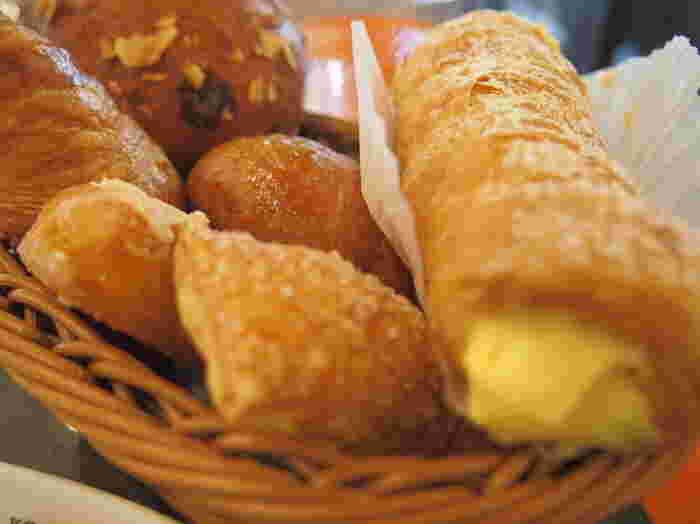 朝食ビュッフェのパンも絶品と話題になっています。ランチは行列が出来ることも。