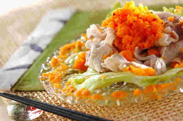 ニンジンを1本をまるまる使ったドレッシング。彩りもキレイで人参の甘さが引き立つドレッシングはお魚料理とも相性抜群です。
