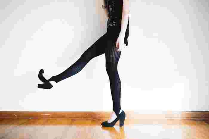 ハムストリングは太もも後ろにある大きな筋肉のことで、歩いたり走ったりするときに使う部位。普段何気なく使っているだけでは年齢と共に固くなってきてしまい、むくみやセルライトが溜まる原因になることも!