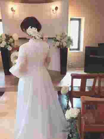 ドレスがもっと輝く。特別な一日を彩る「最高のブーケ」を選ぶ方法