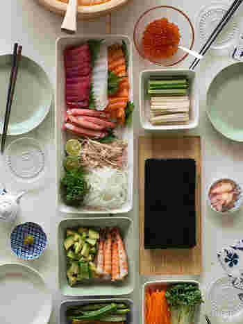 シンプルなデザインだから、手巻き寿司のような和の食材にもピッタリ合ってしまいます。