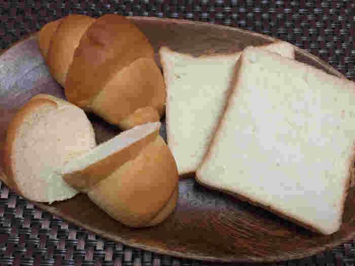 みっちり具合がよくわかりますね。 パン特有のいくつ食べても足りない感が無いのがペリカン。 男性も満足するパンなんです。