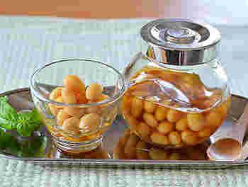 煎り酒に茹でた大豆を漬け込むだけの簡単レシピ。ですが、仕上がりの色合いも良く、味も煎り酒の旨味が大豆と相性バッチリで◎。そのままでも十分美味しくいただけますが、サラダのトッピングなどにも活用できます。