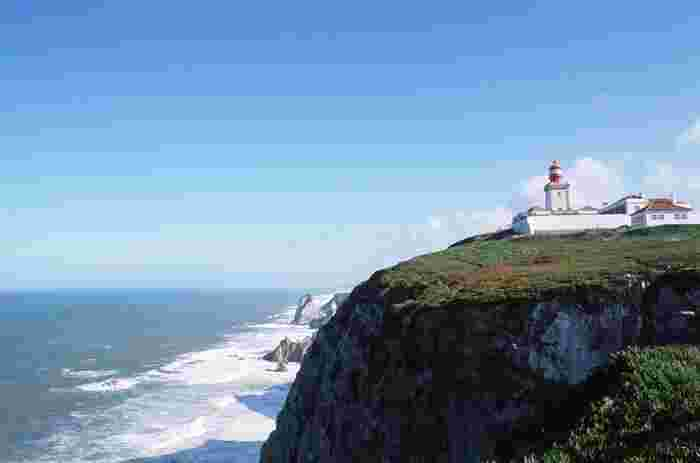 岬の先に一面に広がる海は思わず息を飲む壮大さ。ユーラシア大陸の最西端に立ってみたいと思いませんか?