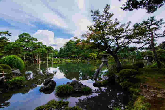 日本画のような風景に魅せられて…石川県金沢市の特別名勝~兼六園の見どころ