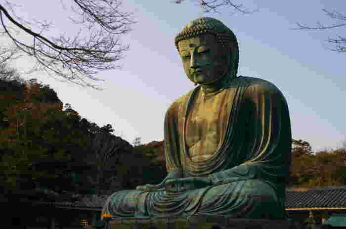 江ノ電長谷駅から徒歩約7分のところにある「高徳院」。本尊の阿弥陀如来像は、「鎌倉大仏」または「長谷の大仏」として有名ですよね。そんな【長谷駅周辺】のカフェはこちら。