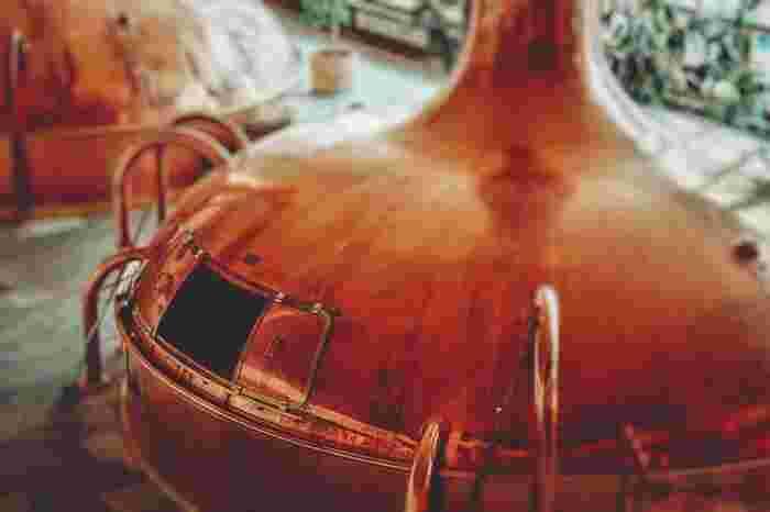 ブリュワリーとは、ビールの醸造所を意味する言葉。今回は、併設された雰囲気の良い空間で、ビールに合う料理などが楽しめるブリュワリーを訪ねてみましょう。