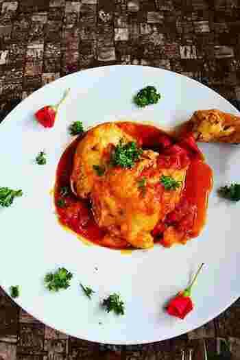 こちらは、鶏の骨付きもも肉とレンズ豆を煮込んだもの。ホームパーティーなどのメインディッシュにもお似合いの華やか料理ですね。圧力鍋なら、より時短。