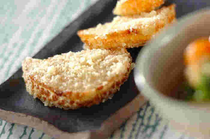 こちらは簡単にササッと、美味しく作れる洋風の筍料理。副菜としてはもちろん、お酒のおつまみにもぴったりの一品です。筍が熱いうちにチーズをまぶすのがポイント。