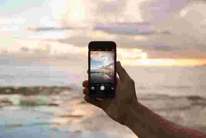 以前はスマートフォンで撮影した写真の販売はNGというところが多かったストックフォト。でも、最近はスマートフォンカメラの性能が格段に進歩し、美しい写真を手軽に撮影できるようになり、スマートフォンで撮影した写真でも販売できるところが増えてきました。