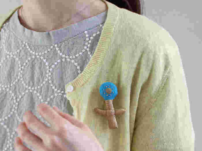 「chitose.K(チトセケイ)」は、村上千歳さんが2009年に立ち上げたブランドです。 子供服やバッグ、小物類を中心に、心を込めてひとつひとつハンドメイドで制作しています。