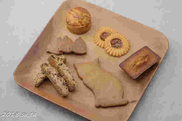 クッキー以外の焼き菓子も大人気。いろいろな種類を少しずつ詰め合わせにすることもできますし、7~8種類入ったセットなどもあるので、シーンに合わせて選んでみてください。