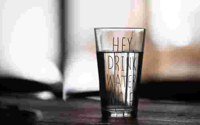 水太りも体の冷えも、どちらも水の摂り過ぎで起こる症状です。せっかく健康のために飲んでいるのに、飲み方が間違っていると期待する結果が得られません。